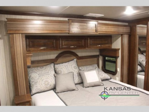 Mobile Suites Aire Fifth Wheel Bedroom